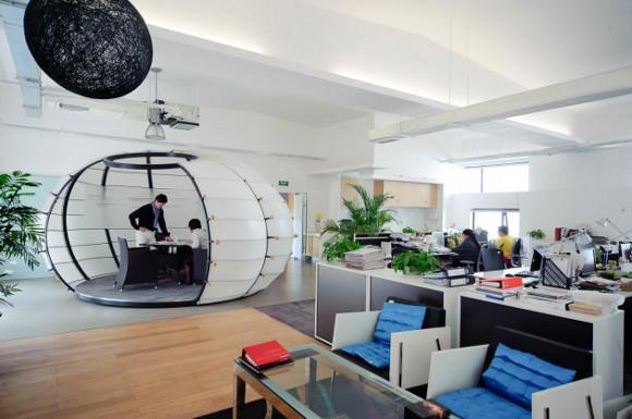8 exemples de bureaux insolites et originaux mode s d. Black Bedroom Furniture Sets. Home Design Ideas