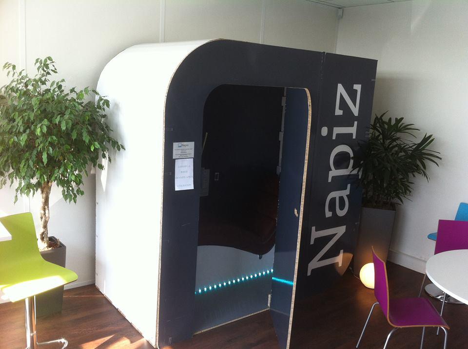 napiz une cabine pour faire la sieste au travail mode s d 39 emploi. Black Bedroom Furniture Sets. Home Design Ideas