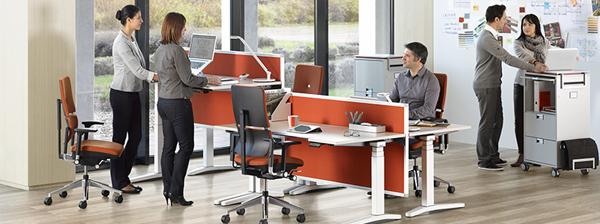 12 mod les de bureaux pour travailler debout mode s d 39 emploi. Black Bedroom Furniture Sets. Home Design Ideas