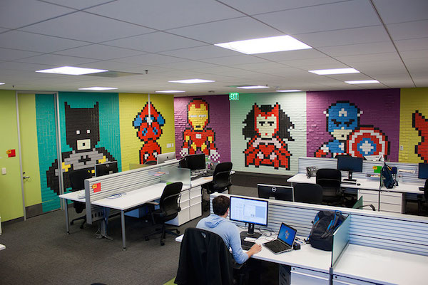 office-wall-post-it