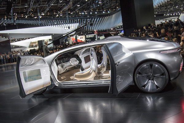 la voiture sans chauffeur va d truire des millions d. Black Bedroom Furniture Sets. Home Design Ideas
