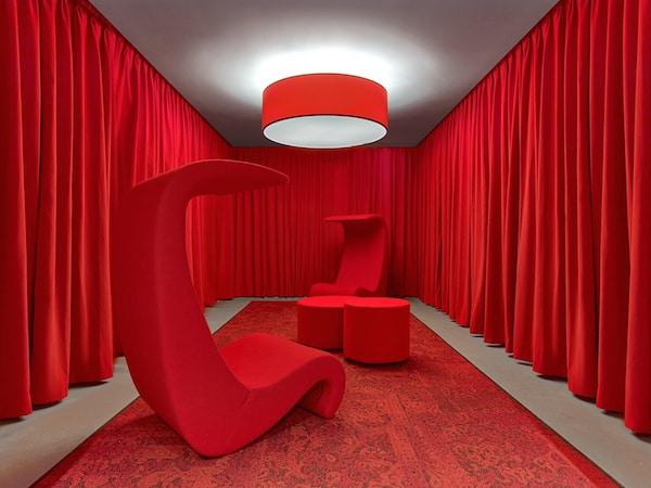 LinkedIn-NYC-salle-rouge