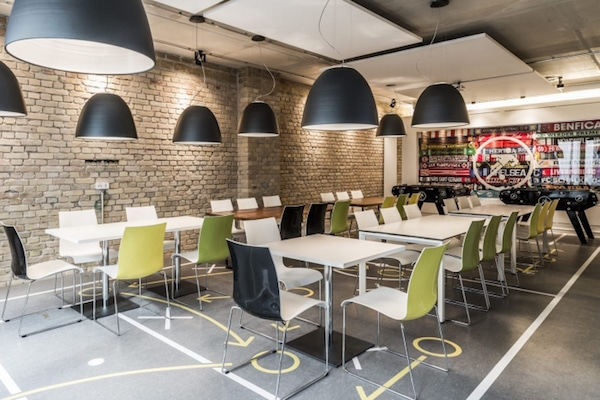 onefootball-office-cafeteria