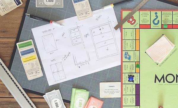 un cv sur des cartes de monopoly pour trouver un stage