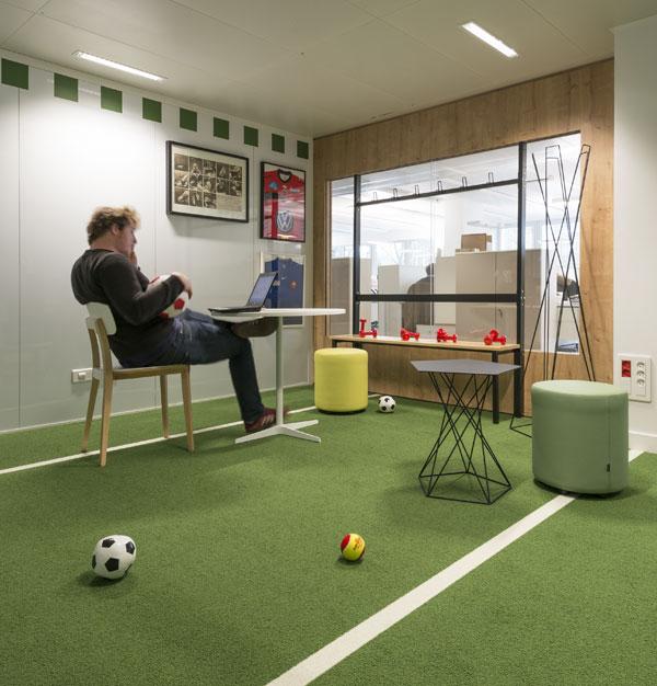 Football et travail ne sont pas incompatibles...