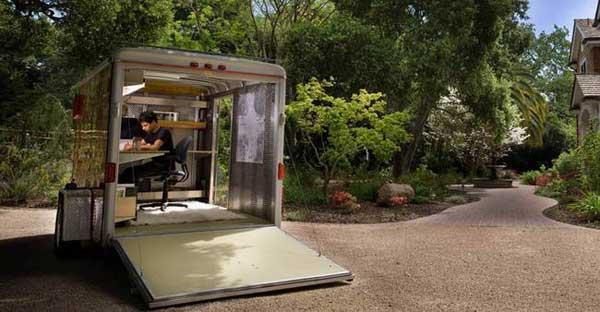 mobile-studio-1.jpg