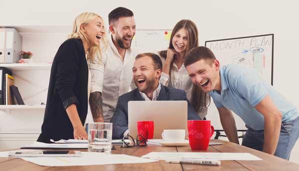 s 39 amuser au travail est bon pour les salari s et pour l 39 entreprise mode s d 39 emploi. Black Bedroom Furniture Sets. Home Design Ideas