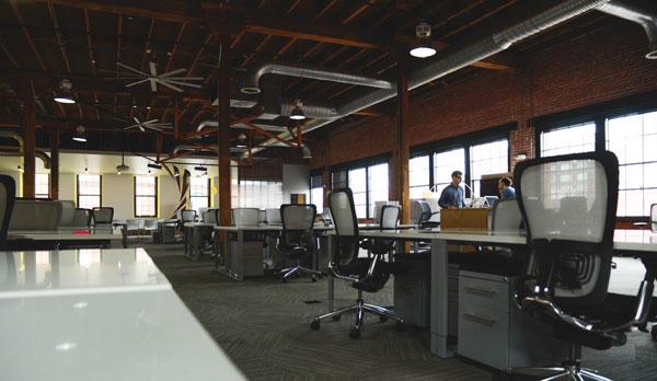 Open Space Dans Les Bureaux : Travailler en open space a un impact négatif sur la mémoire mode