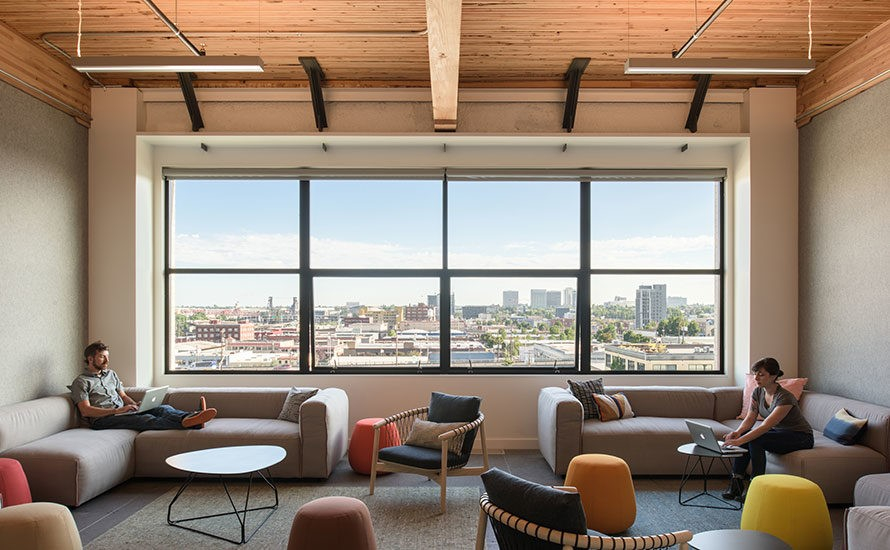 Les bureaux zen et pur s de simple mode s d 39 emploi for Obligation salle de repos au travail